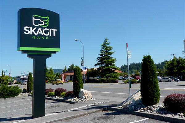 Skagit Bank - Environmental Illuminated Signage